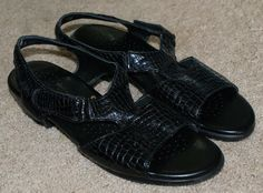 SAS Tripad Comfort black patent leather snake print sandals shoes womens 9.5N