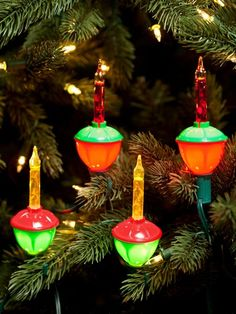 i grew up with bubble lights, every year the children in our family decorate and create their own personal Christmas Tree, home made treasures . bubble lights, many delightful surprises. Noel Christmas, All Things Christmas, Christmas Ornaments, 1980s Christmas, Magical Christmas, Vintage Christmas Lights, Bubble Christmas Lights, Old Fashioned Christmas Decorations, Country Christmas