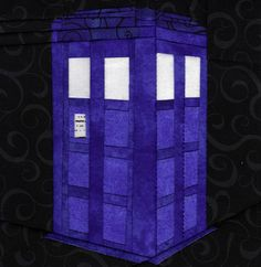 TARDIS quilt block: Could I do it? Maybe with some help. Or maybe I should READ the pattern first. ;)