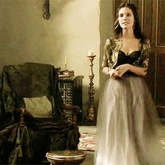 Caitlin Stasey Gif Hunt Under the cut are 301 Mostly HQ gifs of Caitlin Stasey. I do not own any the gifs unless stated otherwise and will happily credit the creators or remove the gifs they own if. Kenna Reign, Lady Kenna, Ashara Dayne, Reign Serie, Film Manga, Caitlin Stasey, Reign Tv Show, Reign Dresses, Reign Fashion