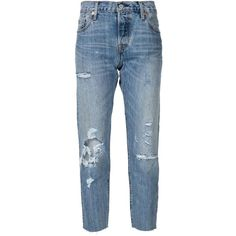 Levi's distressed cropped jeans (€89) ❤ liked on Polyvore featuring jeans, pants, bottoms, denim, blue, ripped jeans, levi jeans, destructed jeans, distressed cropped jeans and distressed jeans