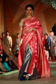 Manish Malhotra presented 'The Regal Threads' last evening Manish Malhotra Collection, Saree Collection, Bridal Outfits, Bridal Gowns, Mekhela Chador, Big Indian Wedding, Beautiful Bridal Dresses, Silk Sarees, Saris