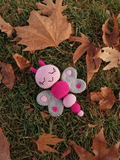Amigurumi-sleeping-butterfly-rattle-construction – The Best Ideas Crochet Star Patterns, Crochet Butterfly Free Pattern, Butterfly Template, Crochet Stars, Crochet Cardigan Pattern, Butterfly Crafts, Free Crochet, Baby Bows, Crochet Animals