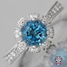 unique engagment ring sooo pretty