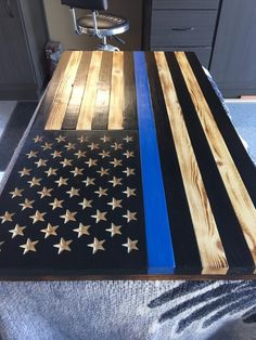 american flag art Thin Blue Line Charred Wood American Flag Back The Blue Flag, Thin Blue Line Flag, Thin Blue Lines, American Flag Art, Wooden American Flag, Police American Flag, Diy Wood Projects, Woodworking Projects, Wood Flag