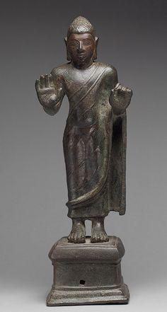 Standing Buddha, probably Shakyamuni, 5th–6th century - Andhra Pradesh or Tamil Nadu, India Bronze; H. 16 in. (40.6 cm)