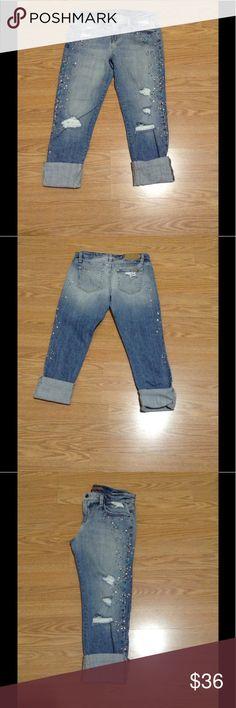 "Joes Jeans 25 embellished crop Kerille Joes Jeans 23"" inseam embellished jean. Kerille style. Distressed. 25"" waist. Joes Jeans Jeans Ankle & Cropped"