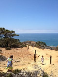 We've rounded up some awesome kid friendly hikes San Diego and kid friendly hiking trails San Diego. Some are even stroller friendly trails. Your whole family will love these easy hikes in San Diego. San Diego Hiking, San Diego Travel, San Diego Activities, Local Activities, Hiking Club, Torrey Pines, Hiking With Kids, Beach Trip, Hiking Trails