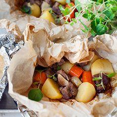 Karkówka pieczona w papilotach z ziemniakami i marchewką | Kwestia Smaku