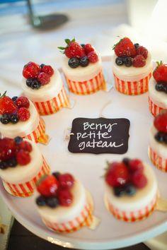 Berry petite gateau. Tallant House. Photography by danapleasant.com,