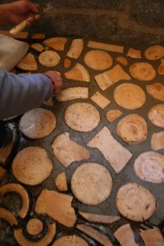 filling the gaps with pure cement. Wood Logs, Raw Wood, End Grain Flooring, Home Projects, Projects To Try, Cordwood Homes, Yurt Home, Eco Buildings, Natural Building