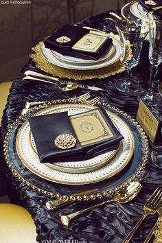 Great Gatsby wedding black and gold table settings and we have that tablecloth at Uber Chic. It's called Austrian Weave. Gatsby Theme, Great Gatsby Wedding, Art Deco Wedding, The Great Gatsby, Gold Wedding, Wedding Black, Elegant Wedding, Wedding Ideas, 1920s Theme