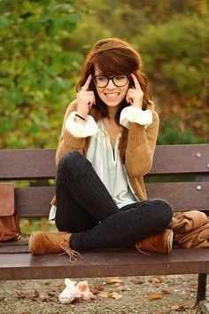 glasses plus an adorable outfit, mmm