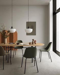 The latest in Minimalist interior design. See what perfect minimalist interior design looks like with these inspiring examples. Minimalist Interior, Modern Interior Design, Interior Architecture, Minimalist Furniture, Top Interior Designers, Modern Minimalist, Contemporary Interior, Minimalist Dining Room, Minimalist Apartment