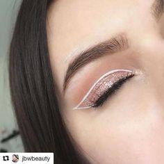 Eyeliner Make-up, White Eyeliner Makeup, Cat Eye Makeup, Eyeshadow Makeup, White Eyeliner Looks, Eyeshadow Palette, Simple Eyeshadow, Double Eyeliner, Makeup Geek