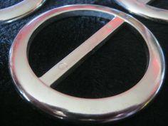 14 Stück Dekoschnallen ohne Dorn,Rund,silberfarben,Durchmesser ca.65 mm,Steg ca.50 mm,Neu,Lübecker Knopfmanufaktur von Knopfboutique auf Etsy
