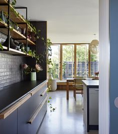 The BENT Annexe project, by BENT Architecture, included a new addition to an original home in Melbourne, Australia. Mini Clubman, Interior Desing, Interior Design Kitchen, Kitchen Designs, Open Space Living, Living Spaces, Living Room, 1960s House, Melbourne House
