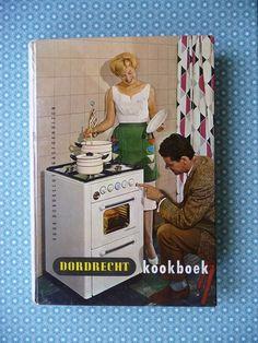 Jaren '50 kookboek getiteld 'Dordrecht' door C. H. van Donselaar – Dijksterhuis (lerares koken en voedingsleer). Uitgegeven door Nell & Stutterheim N.V., 225 pagina's.  Het boek kon toentertijd voor Fl. 6,50 worden gekocht bij de aanschaf van een 'Dordrecht' gasfornuis. Het boek start met een gebruiksaanwijzing voor het gasfornuis. Verder staat het boek boordevol typisch Hollandse recepten voor voor-, hoofd- en nagerechten en gebak zoals alleen oma ze kon bereiden!  www.vanoudedingen.nl