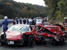 Review: Ocho Ferrari, dos Mercedes y un Lamborghini chocar...