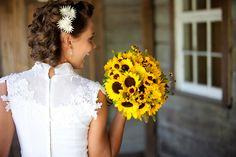 Bright and Elegant Urban Wedding Ideas