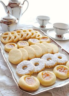 biscotti ovis mollis Biscotti Biscuits, Biscotti Cookies, Cookies Et Biscuits, Yummy Cookies, Italian Pastries, Italian Desserts, Just Desserts, Italian Recipes, Sweet Recipes