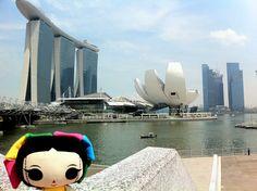"¡María visitó #Singapur! ""MARINA BAY SANDS"". #ArtesaniasMexicanas #kawaii #MariasINC"