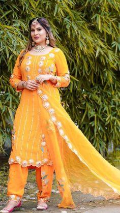 Punjabi Suits Designer Boutique, Boutique Suits, Pakistani Fashion Party Wear, Womens Dress Suits, Designer Party Wear Dresses, Embroidery Suits Design, Kpop Girls, Wrap Dress, Clothes For Women