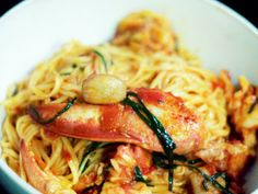 Herbie Likes Spaghetti: Our Favorite Pasta: Lobster Spaghetti with Sweet Garlic and Chives Seafood Dishes, Fish And Seafood, Pasta Dishes, Lobster Recipes, Seafood Recipes, Crawfish Recipes, Drink Recipes, Pasta Recipes, Lobster Spaghetti