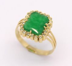 Anel Jade Diamantes Ouro Amarelo 18k 750 #saintpatrick'sday #StPatrickSDay2015 #diadesaopatricio   #láfhéilepádraig #stpatrick #saopatricio  #saintpatricksday   #jade #esmeralda  #greengold #jóias #jewelry  www.facebook.com/marcio.joalheiros  www.marciojoalheiros.com.br  @marciojoalheiros