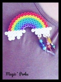 Broche arc-en-ciel et pluie de perles