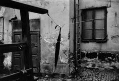 Gunnar Smoliansky is a major Swedish photographer. He was born in 1933 in Visby, on the island of Gotland, and has devoted himself to photography since Light Year, Photo L, History Photos, Vintage Photographs, Love Art, Black And White Photography, Stockholm, Street Photography, Monochrome