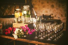 It' time to take a champagne flute ! Destination Wedding Planner, Wedding Designs, Catering, Champagne, Table Decorations, Luxury, Flute, Creative, Drinks