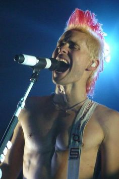 Jared. Fucking. Leto. omg. His overall awesomeness is out of control!!