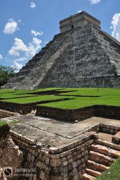 Chichen Itza Mayan Pyramids - Mexico Riviera Maya, Ancient Aliens, Ancient History, Maya Architecture, Inca, Mayan Ruins, Famous Places, Cancun, Bitter