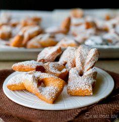 The Best Traditional Chilean Recipes - Pilar's Chilean Food & Garden Torta Pompadour, Baking Recipes, Dessert Recipes, Desserts, Chilean Recipes, Chilean Food, Meringue Cake, English Food, Latin Food