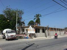 Construyendo Mercado Municipal Jaragua