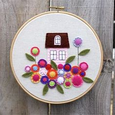 I've been wanting to do the little pink house from the Sew Mama Sew tutorial since they first posted it.. (via hazelnutgirl)