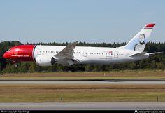 Norwegian Long Haul Boeing 787-8 Dreamliner LN-LND aircraft, named Grete Weitz a Norwegian Marathon Runner (1953-2011), on short finals to Sweden Stockholm Arlanda International Airport. 20/08/2015.