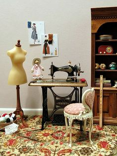 Sewing room inspiration from Otterine - Mini Sewing Shop - Vitrine Miniature, Miniature Rooms, Miniature Crafts, Miniature Houses, Miniature Furniture, Dollhouse Furniture, Mini Doll House, Vintage Sewing Machines, Sewing Rooms