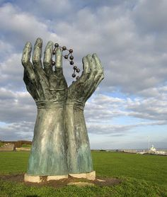 "Things we love near homes we let in David Barnes' ""Hands and Molecule"" sculpture & time capsule, on the West Cliff overlooking Pegwell Bay, was unveiled in 2000 to mark the opening of Regional Cycle Route 15 in Thanet. Cycle Route, Kent Coast, Tunbridge Wells, Kent England, Time Capsule, Property Management, Being A Landlord, Public Art, 15 Years"
