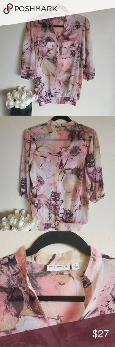 Susan Graver blouse This is a slight see through blouse that flows in the wind. It is lightweight and perfect for the summer with a little camosoule underneath. Susan Graver Tops Blouses