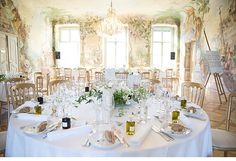 wedding at Schloss Laudon in Vienna, photo by Die Elfe Fotografie