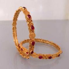 cartier love bracelet rose gold pre-owned Kids Gold Jewellery, Gold Jewellery Design, Latest Jewellery, Temple Jewellery, Gold Jewelry, Kerala Jewellery, Gold Necklace, Crystal Jewelry, Gold Bangles Design