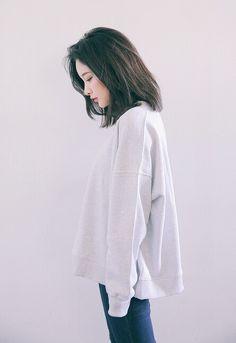 Girl, ulzzang, and korean image Ulzzang Fashion, Asian Fashion, Girl Fashion, Fashion Outfits, Seoul Fashion, Moda Ulzzang, Ulzzang Girl, Korean Ulzzang, Medium Hair Styles
