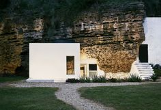 Casa Tierra designed by UMMO Estudio gives place to the beauty of geological nature