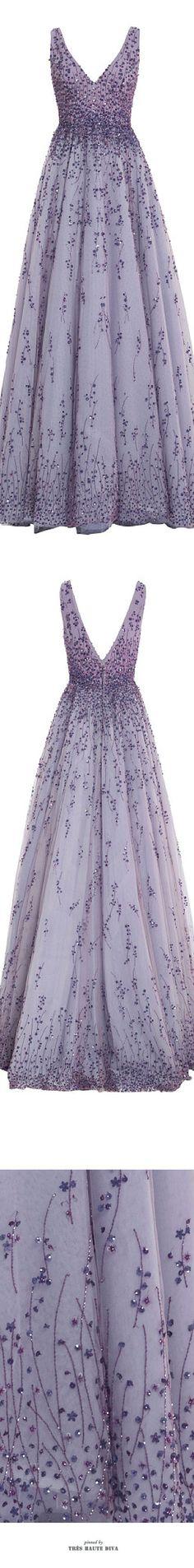 Feinsinnig, filigran und feminin! Robe in Lavendel (Farbpassnummer 16)  Kerstin Tomancok Farb-, Typ-, Stil & Imageberatung