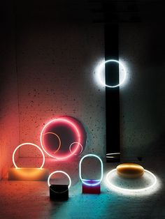 Two neon and resin lamp series DAWN and VOIE by Sabine Marcelis Light Luz, Lamp Light, Light Table, Neon Lighting, Lighting Design, Lighting Concepts, Accent Lighting, Luxury Lighting, Modern Lighting