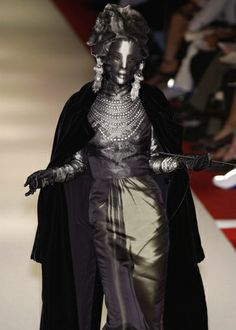 Omahyra Mota for Jean Paul Gaultier Haute Couture: Autumn/Winter 2002/03 † #mask #masked #female #femalemodel #hautegoth #couture #hautecouture #runway #catwalk #dark #identityhidden #facecovered #identityobscured #supermodel #Omahyra #OmahyraMota #JPG #JeanPaulGaultier #2002 #2003
