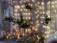 Στολισμος κέντρου Welcome table Welcome Table, Candy Table, Fairy Lights, Christmas Tree, Wreaths, Holiday Decor, Home Decor, Christening, Teal Christmas Tree