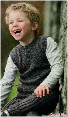 Всем приветик Открываю он-лайн по вязания вот такого жилетика для наших мальчишек. Опрос в Стране Мам: Жилетка для мальчика Свяжем вместе жилетку?